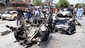 Förödelse efter bilbombsattack i Kabul i maj 2017