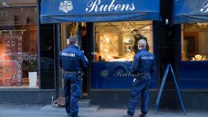 Rånförsök på guldsmeden Rubens i Helsingfors.