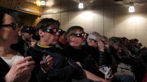 Biopublik iklädda 3D-glasögon.