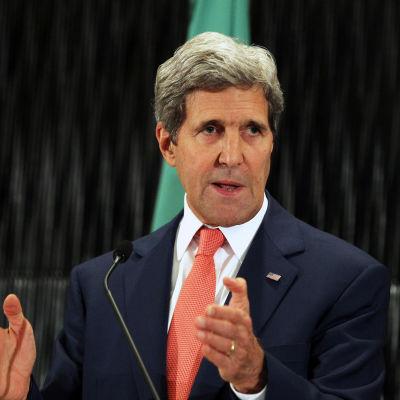 USA:s utrikesminister John Kerry under en presskonferens i Kairo.