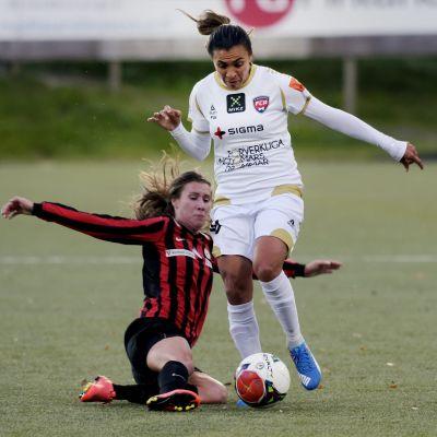 Marta mot Eveliina Parikka, PK-35 - Rosengård, CL, 7.10.2015.