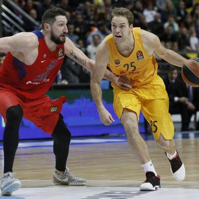 Petteri Koponen är en finsk basketstjärna.