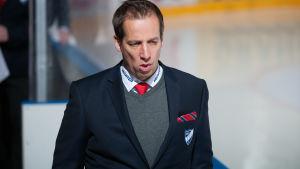 Antti Törmänen är en finsk ishockeytränare.