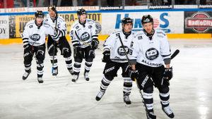 Jasper Lindsten, Tomi Kallio, Patrik Virta, Eric Perrin och Ilkka Heikkinen skrinnar, februari 2017.