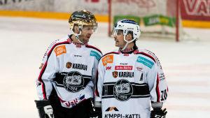 Tomi Kallio och Eric Perrin i samspråk.