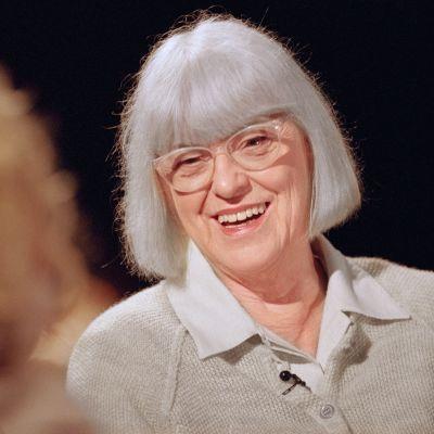Birgitta Ulfsson Maarit Tastulan vieraana Punainen lanka -ohjelmassa 2002