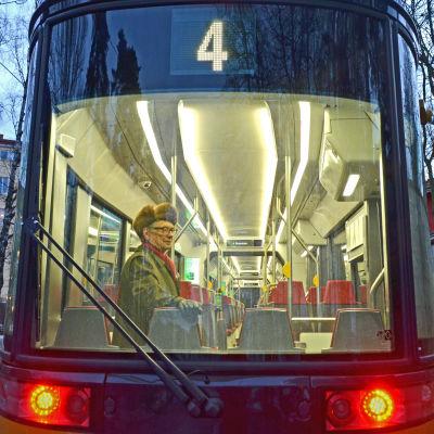 Erkki Wuori åkte fyrans spårvagn första gång på 1940-talet.