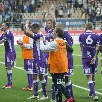 IFK Göteborg är ett svenskt fotbollslag.