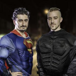 Simon och Aras utklädda till superhjältar