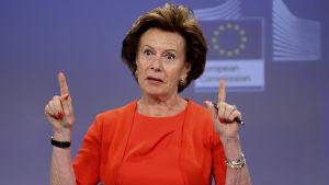 Neelie Kroes, entinen EU-komissaari.
