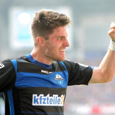 Moritz Stoppelkamp gör otroligt mål för Paderborn i match mor Hannover i Bundesliga 2014