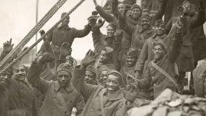 Vuonna 1917 pelkästään afroamerikkalaisista sotilaista koostuva rykmentti liittyi taisteluihin Ranskan johdolla.