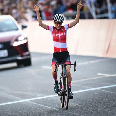 Anna Kiesenhofer Tokion olympialaisissa.