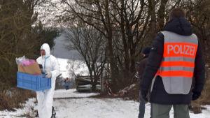 Polisen undersöker koloniträdgård i Bayern där sex tonåringar hittades döda.