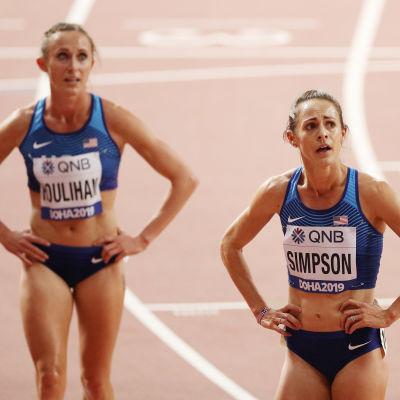 Shelby Houlihan (vasemmalla)