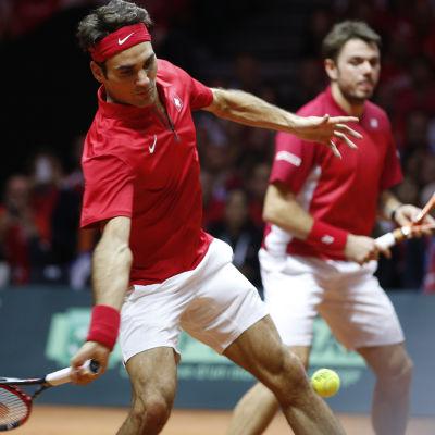 Federer och Wawrinka vann enkelt.