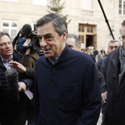 Den förre premiärministern Francois Fillon är förhandsfavorit i det Republikanska partiets primärval i Frankrike