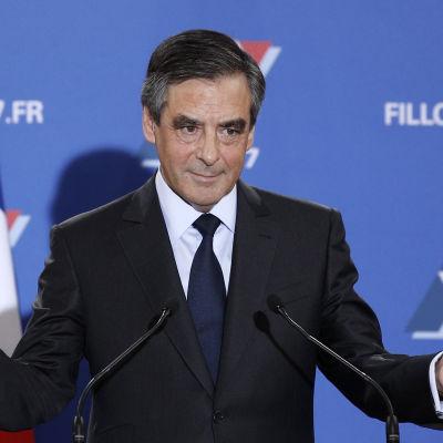 François Fillon håller tal efter att han segrat i franska högerns primärval den 27.11.2016.