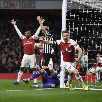 Arsenals Aaron Ramsey firar målet mot Newcastle