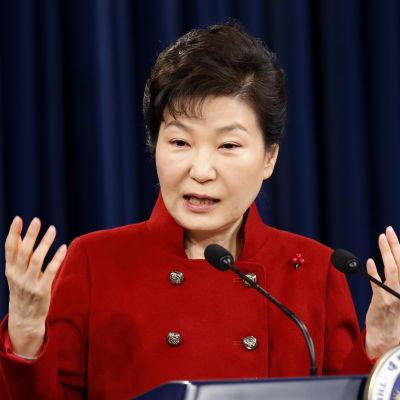 Sydkoreas konservativa president Park Geun-hye ville utestänga Nordkorea från internationella förhandlingar om Nordkorea