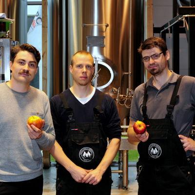 Bryggeri-vd Jura Mikkonen, bryggare Teemu Tapio och bryggarmästare Alexander Maier.