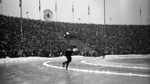 Skridskotävling under OS i Oslo 1952.