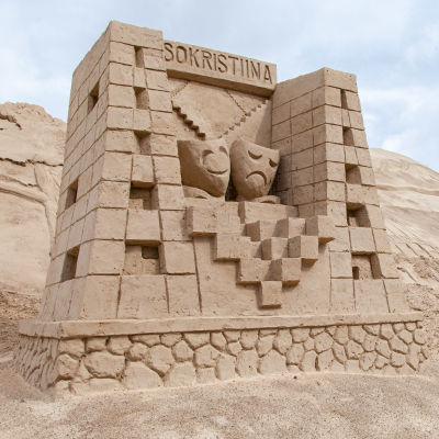 Lappeenrannan hiekkalinna 2020. Kaupunginteatteri -veistos