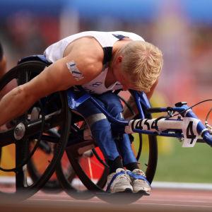 Leo-Pekka Tähti tävlar i Paralympics 2008.