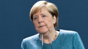 Liittokansleri Angela Merkel antoi Saksan kannanoton Navalnyin myrkytykseen tiistaina liittokanslerinvirastossa Berliinissä.