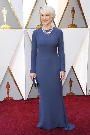 Helen Mirren på röda mattan inför Oscarsgalan 2018.
