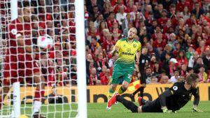Teemu Pukki gör Norwichs reduceringsmål.