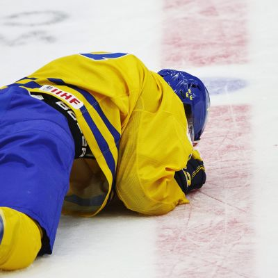 William Nylander skadade sig i matchen mot Schweiz.