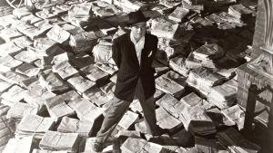 Citizen Kane. Ohjaus ja pääosa Orson Welles.