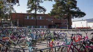Smedsby-böle skola
