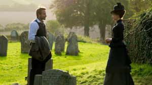 Matthias Schoenarts och Carey Mulligan som Gabriel och Bathsheba i Far from the Madding Crowd.