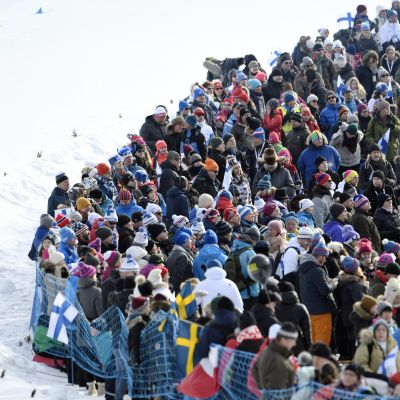 Krista Pärmäkoskis tremil lockade åskådare till i Lahtis.