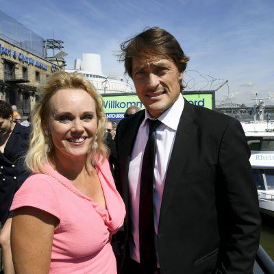 Teemu Selänne följde VM i Köln tillsammans med sin fru Sirpa.