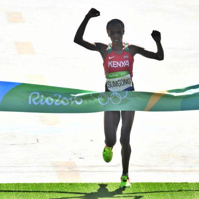 Jemima Sumgong vinner maraton i OS i Rio.