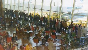 Helsinki-Vantaan lentoasema, asemahalli, sisäkuva
