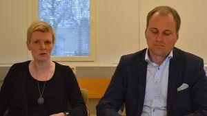 Kirsi Ala-Jaakkola och Tom Simola