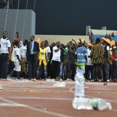Läktarbråk under de afrikanska mästerskapen, semifinal Ghana-Ekvatorialguinea, 5.2.2015