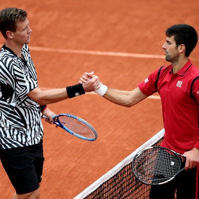 Tomas Berdych slogs ut av Novak Djokovic.