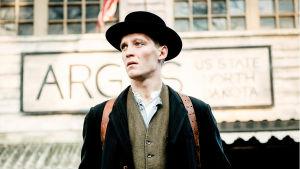 Draamasarjan pääroolin näyttelee Jonas Nay.