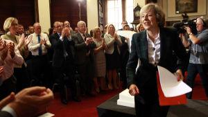 Inrikesminister Theresa May vid en presskonferens den 30 juni 2016.