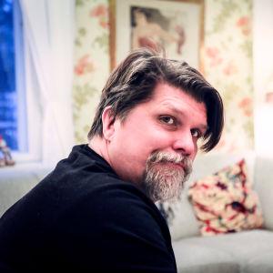 Regissör Mika Fagerudd.