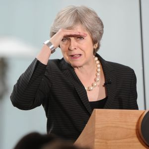 Den brittiska premiärministern Theresa May håller tal i Belfast, Nordirland 20.7.2018