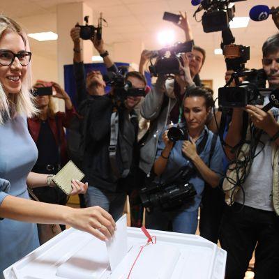 Juristen Ljubov Sobol lade sin röst i Moskva på lördagen. Hon är oppositionens nya stjärna.
