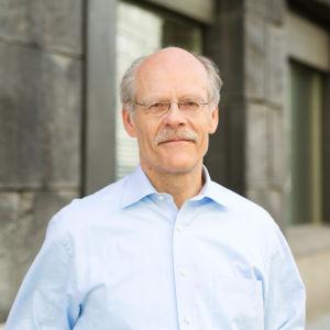Stefan Ingves framför riksbanken i Sverige