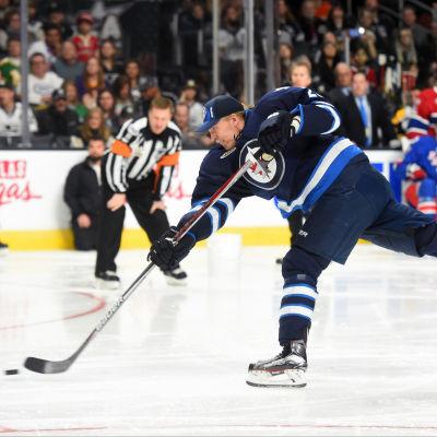 Patrik Laines imponerade med sin skottstyrka under NHL:s All Star-helg i Los Angeles.