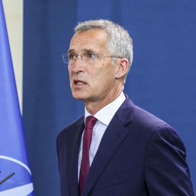 Natos generalsekreterare Jens Stoltenberg säger att de 30 medlemsländerna var eniga då de fördömde mordförsöket på Navalnyj och krävde en oberoende utredning.